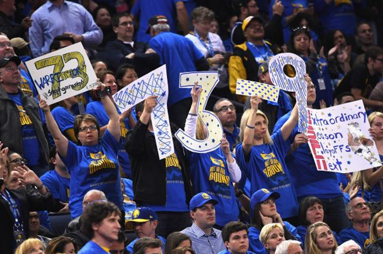 GoldenStateFans_2016